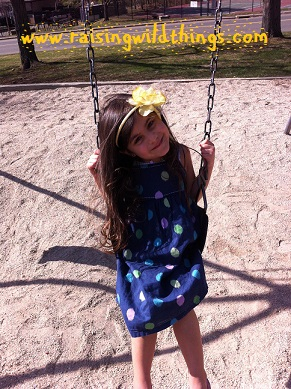 Betsy from CT: Picnic and swings with my girl! Taking advantage of these warm weather days (Finally!!)